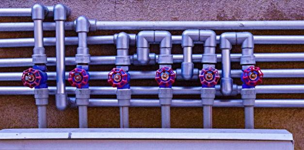 为什么工程项目管道系统普遍使用卡压式不锈钢水管?